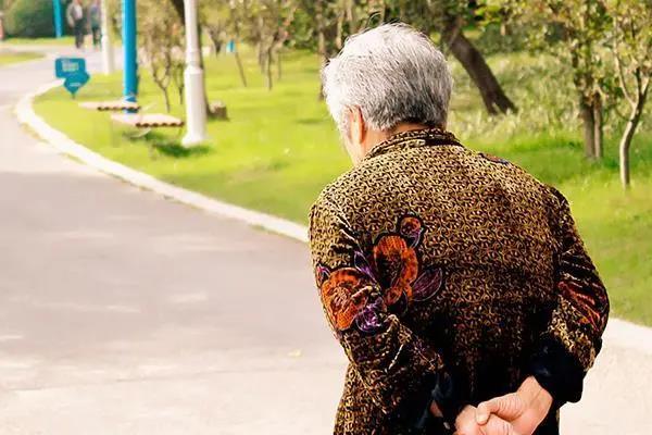同样是走路,有的人越走越长寿,有的人却走出一身病!